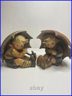Goebel Figurines Hummel Girl & Boy With Umbrellas 152 A & B 5 Tall 1957