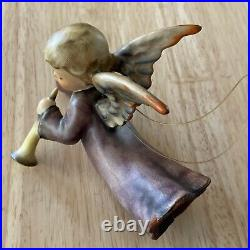 Goebel Hummel 1964 figurine - #366 Flying Angel - Nativity / Ornament
