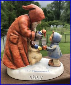 Goebel Hummel CHRISTMAS ST NICHOLAS DAY & KNECHT RUPRECHT SANTA LE 15227