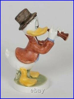 Goebel Hummel Disney 1993 Donald Duck Serenade 327-19