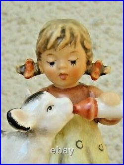 Goebel Hummel FRIENDLY FEEDING HUM #2231 TM8 Goebel CALF COW GIRL MIB D688