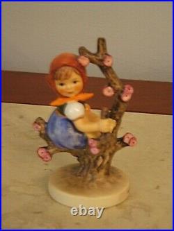 Goebel Hummel Figurine Girl in Apple Tree 141 TMK 3/0 Germany