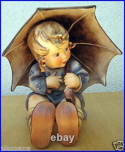 Goebel Hummel Figurine Umbrella Girl Hum #152 B Tmk3 Stylized Bee 8 $2100