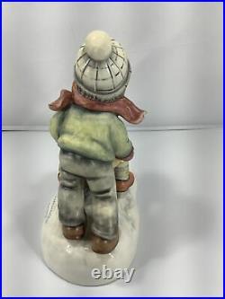 Goebel Hummel Figurine WINTER DAYS 2072 TMK8 CHRISTMAS 1ST ISSUE MINT SIGNED