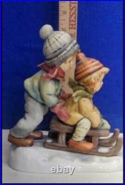 Goebel Hummel Figurine WINTER DAYS 2072 TMK8 SLED KIDS CHRISTMAS 1ST ISSUE MINT