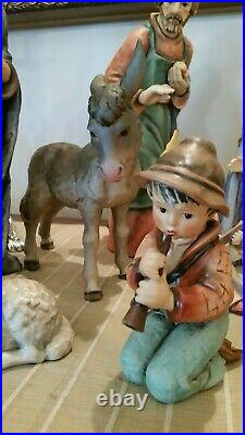 Goebel Hummel Nativity 17 Piece Set 260 Jumbo Moorish King 13 and a half inches