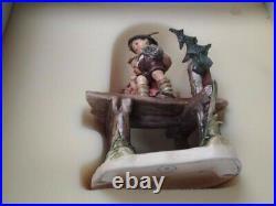HUMMEL GOEBEL Collectible Figurine ON OUR WAY #175 HUM472