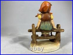 HUMMEL GOEBEL FIGURINE JUST RESTING GIRL SITTING ON FENCE 112 3 /0 d345