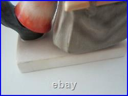 HUMMEL GOEBEL MERRY WANDERER TMK 2 FULL BEE BOY With UMBRELLA SUITCASE 10.5 BOX