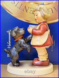 Hummel Figurine PUPPY PAUSE HUM #2032 TM8 Goebel Germany FIRST ISSUE MIB C585