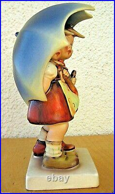 Hummel Figurine STORMY WEATHER HUM 71 TM2 FULL BEE MARK Goebel 6.5 MINT H264