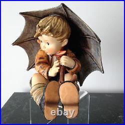 Hummel Umbrella Boy-152/IIA- TMK-6, Goebel